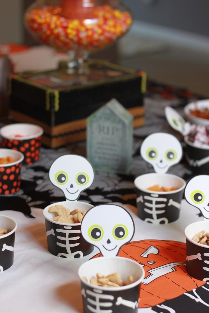 goldfish crackers Halloween snacks halloween party