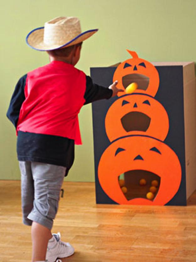 Pumpkin Toss Halloween Games